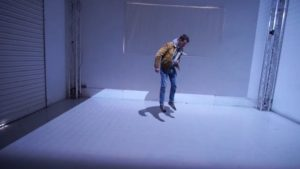 Dieser Raum reagiert dank Projection Mapping auf Bewegungen