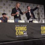 Vichinghi: Travis Fimmel si è schiantato in un costume canguro il Comic-Con Panel