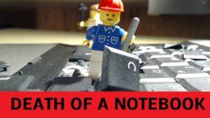 Death Of A Notebook: Wie Lego Minifiguren einen Laptop auseinander nehmen