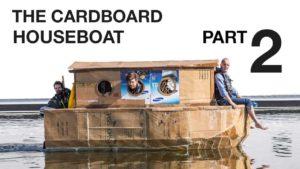 Wie man sich ein Hausboot aus Pappkartons baut