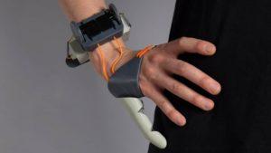 troisième pouce: Dani Clode développe prothèse nouvelle