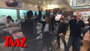 """Metallica geben """"Enter Sandman"""" på matbutikk og la slakter headbanging"""