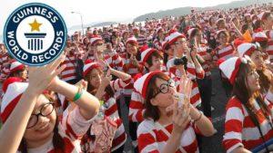"""maailmanennätys: 4626 & quot; Missä Waldo?"""" verhottu japani"""