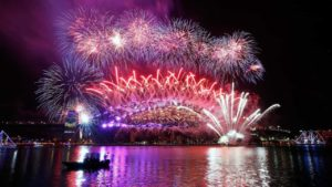 Silvester-Feuerwerk in London, Sydney, Hongkong und Edinburgh in HD