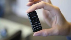 aZanco tiny t1: The smallest phone in the world weighs only 13 Gram