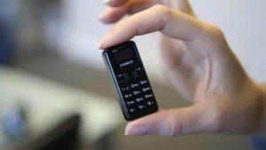 aZanco tiny t1: Das kleinste Handy der Welt wiegt nur 13 Gramm