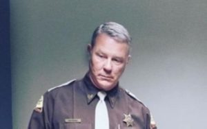 "Metallica: James Hetfield als Cop in ""Extremely Wicked, Shockingly Evil, And Vile"""