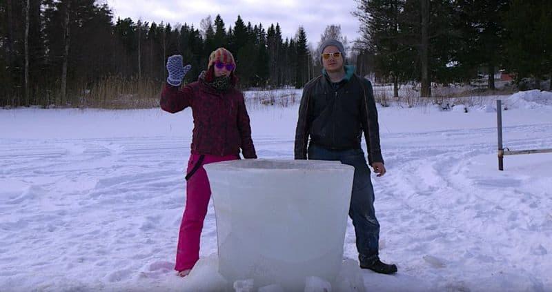 neulich in finnland ein heisses bad im eis whirlpool. Black Bedroom Furniture Sets. Home Design Ideas