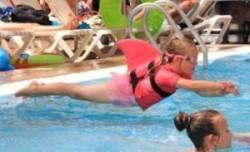 SwimFin: Schwimmhilfe mit Haifischflosse